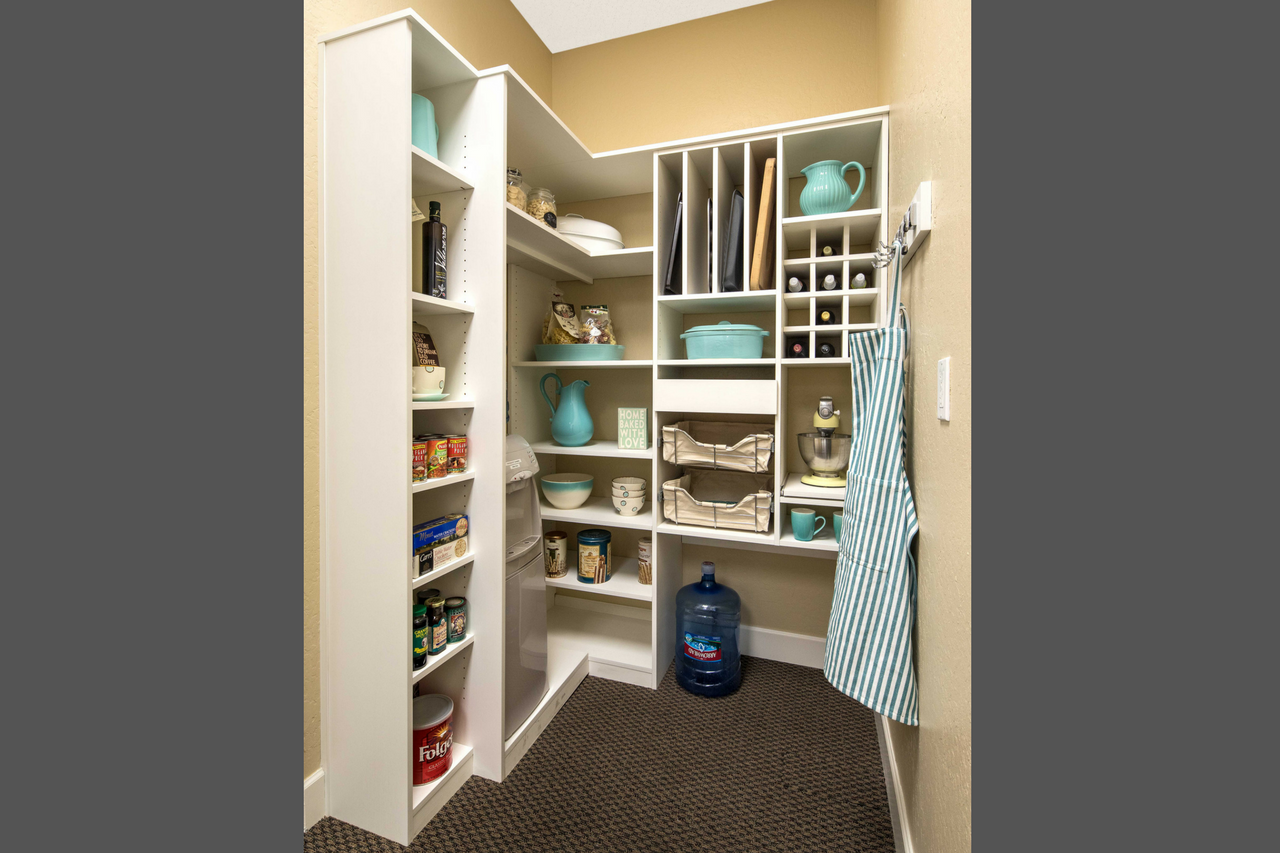 Umbra Super Matte Thermal Fused Laminate Mudroom with Raised Panel Fronts
