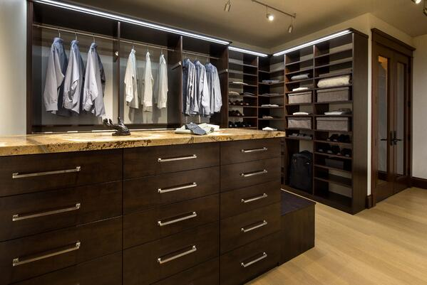 Valet Custom Cabinets & Closets - Belgian Chocolate TFL - Flat Fronts