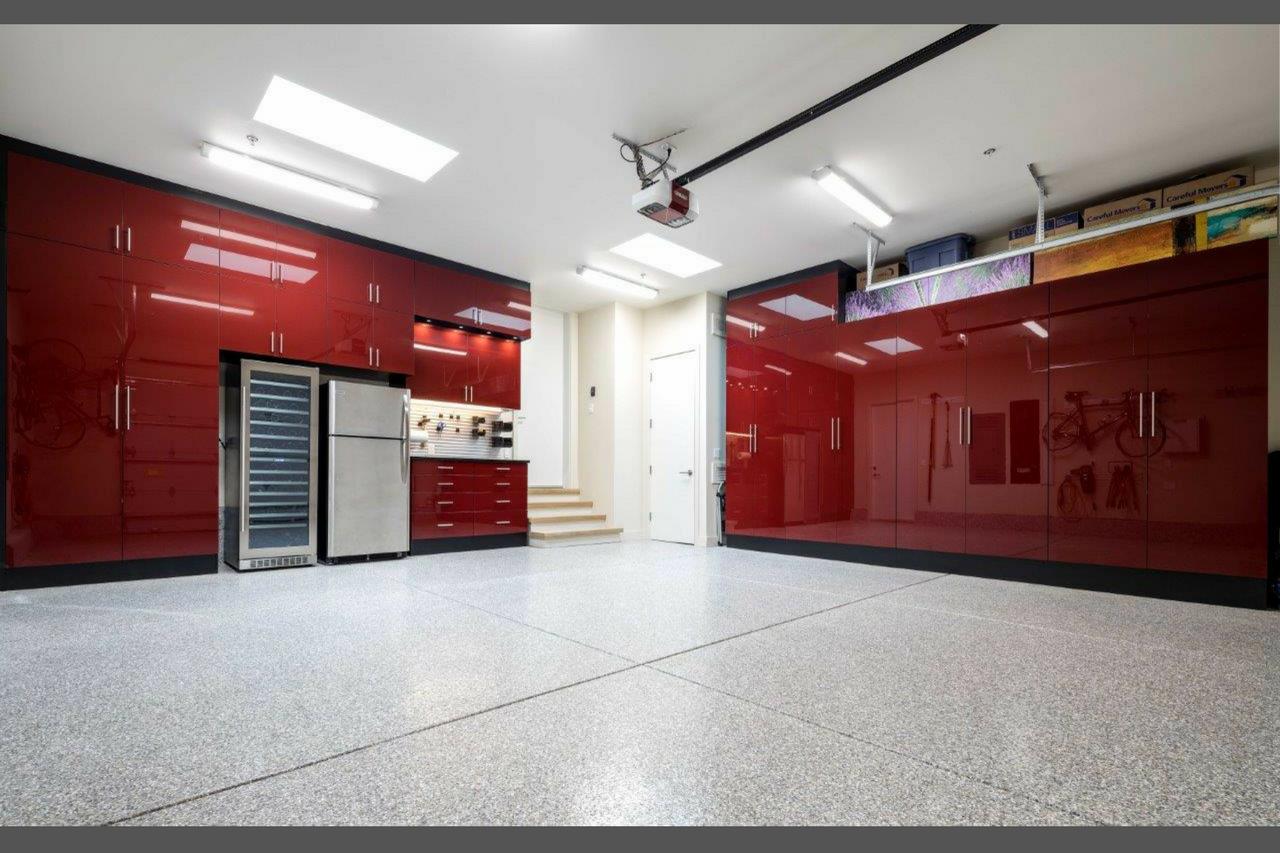 Custom Garage with NIagra epoxy flooring