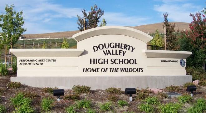 Dougherty_Valley_High_School_sign.jpg