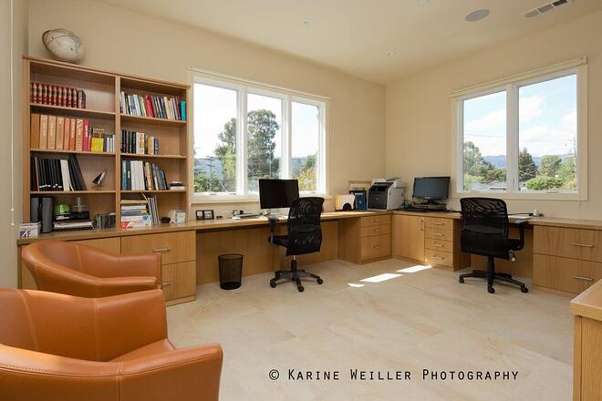 Family_Home_Office_With_Multiple_Workstations.jpg