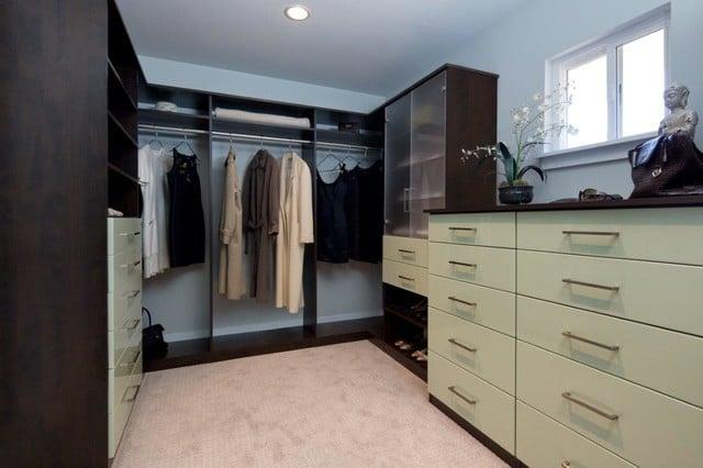 Valet_walk-in_closet.jpg