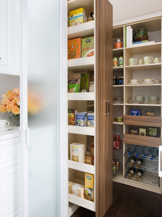 custom_pantry_with_slide_out_shelving.jpg