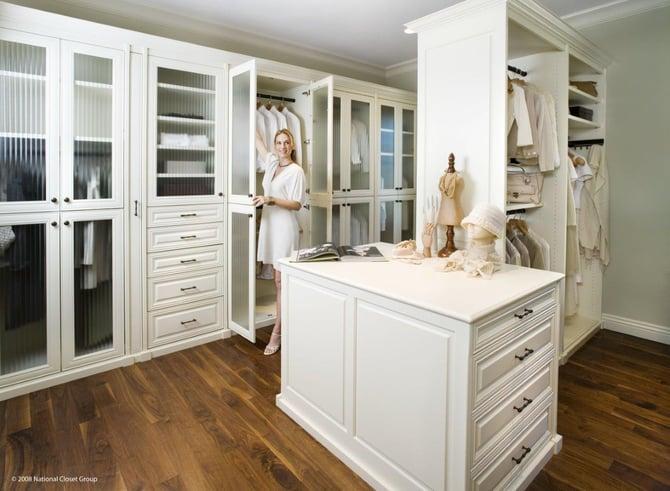 custom_walk-in_closet_and_dressing_room.jpg