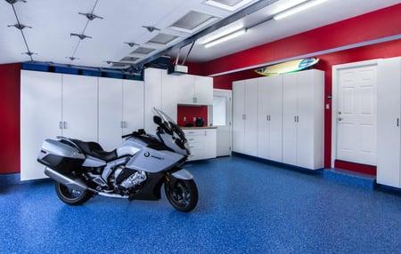 Main view of garage