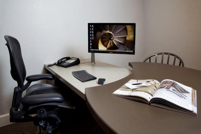 17_Split_Level_Desk.jpg