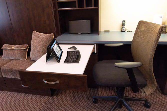 1B_Pull_Out_Desk.jpg