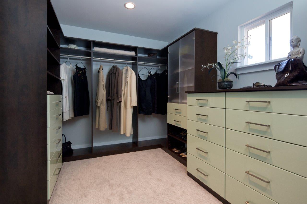 Valet Custom Luxury Walk In Closet Design Amp Closet
