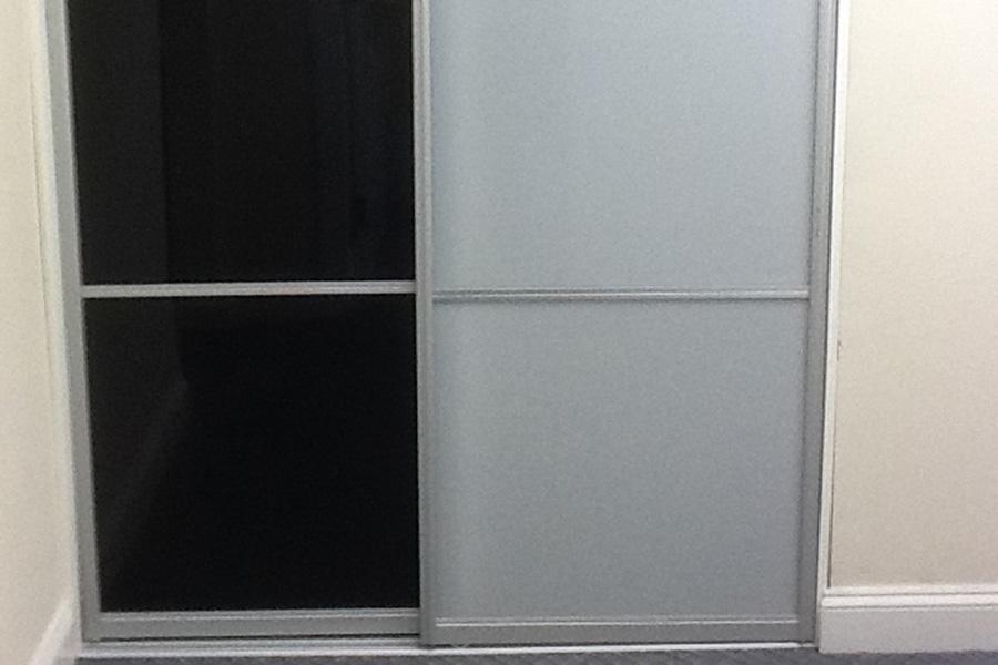 6_Milky_and_Black_Plexiglas.jpg