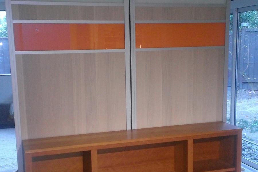 9_Shinnoki_Wood_Veneer_-_Painted_Glass.jpg