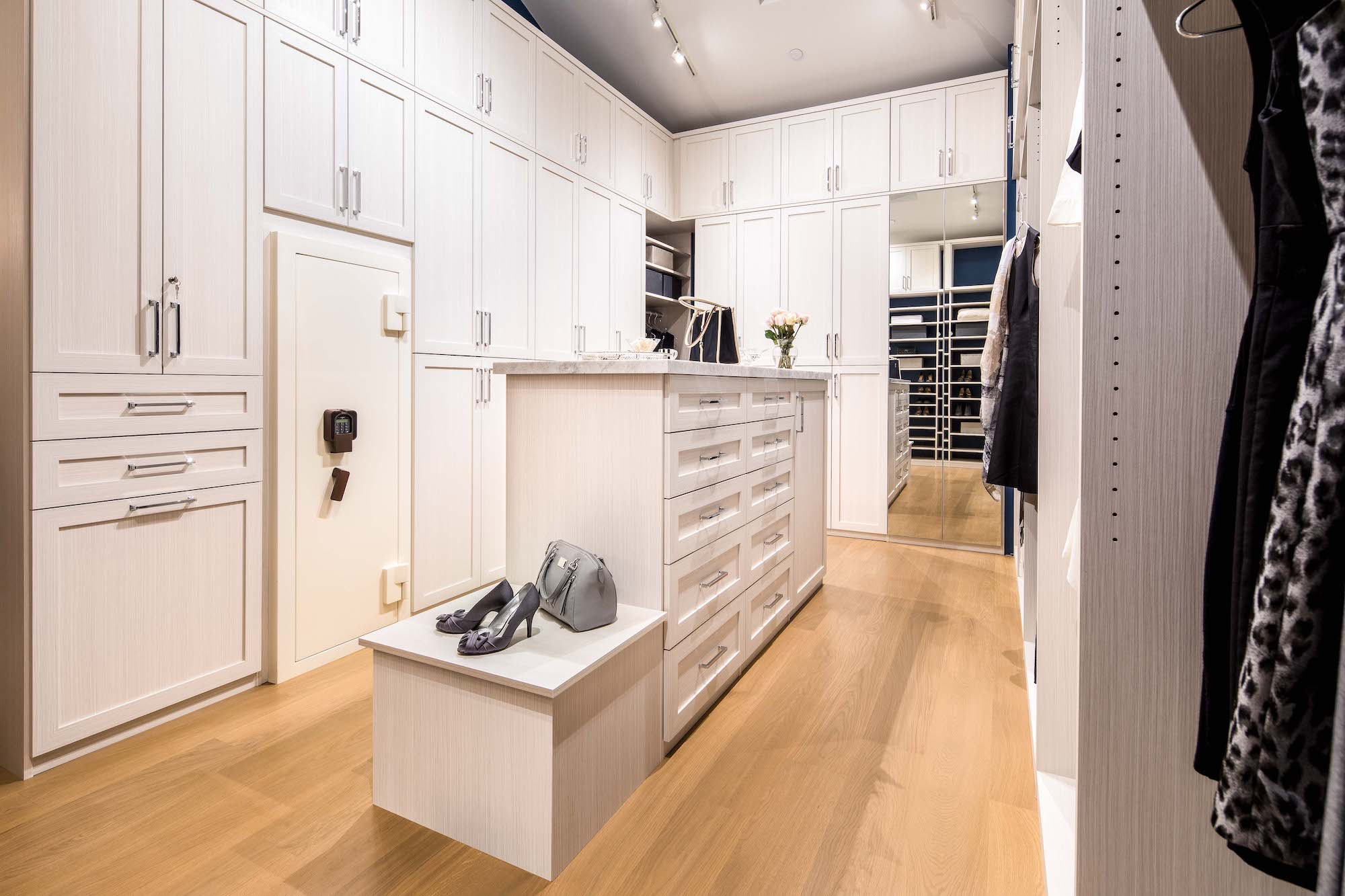 2018-05-08_Walk-In Closet_Bianco (1)